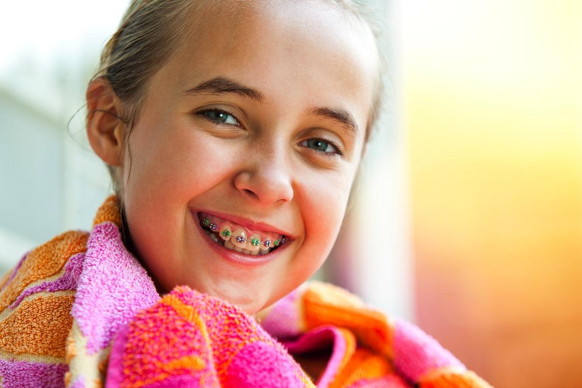 CUANDO-EMPEZAR-LA-ORTODONCIA-EN-NIÑOS-Y-ADULTOS-b ¿Cuándo comenzar un tratamiento de ortodoncia en niños y adultos?